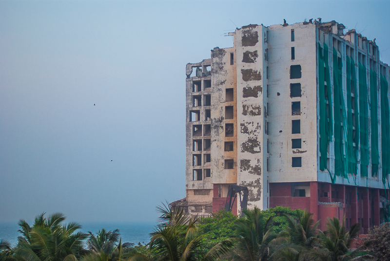 Inde-hotel-destruction-1