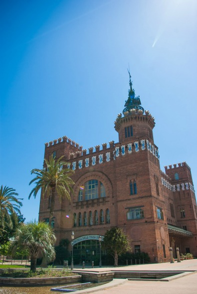 Chateau-des-trois-dragons-parc-de-la-citadelle-barcelone