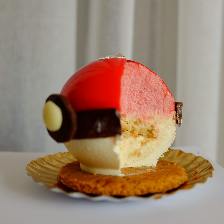 pokeball-cake-7