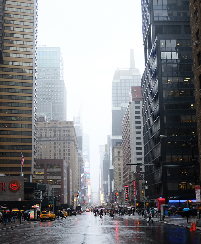 new-york-7eme-avenue-rain-7