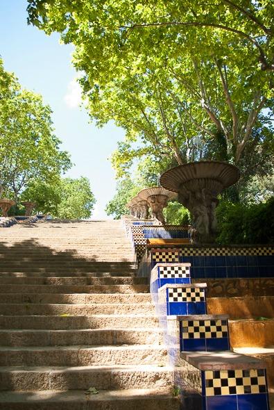 barcelone-montjuic-escalier-1