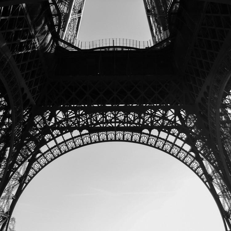 Paris-tour-eiffel-detail