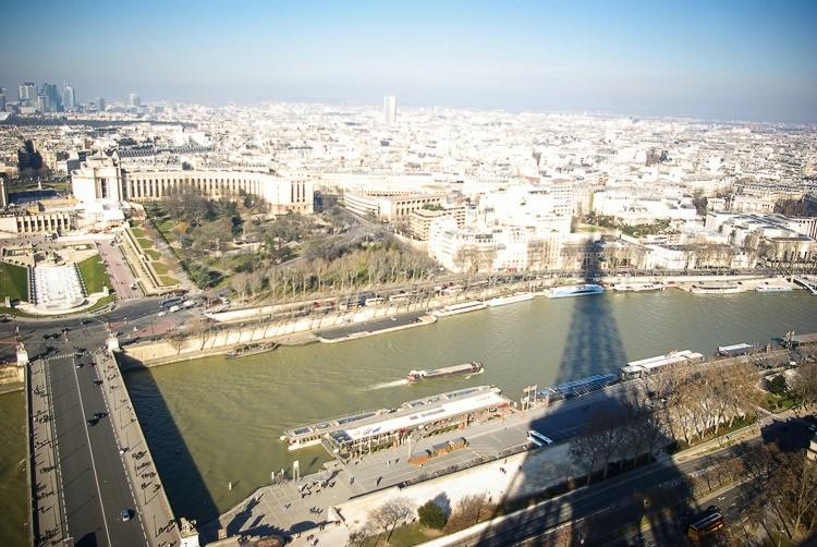 Paris-tour-eiffel-ombre-seine