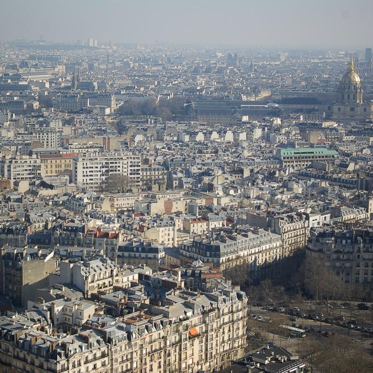 Paris-tour-eiffel-toits-parisiens