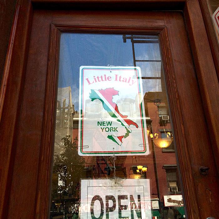 New-York-Little-Italy-door